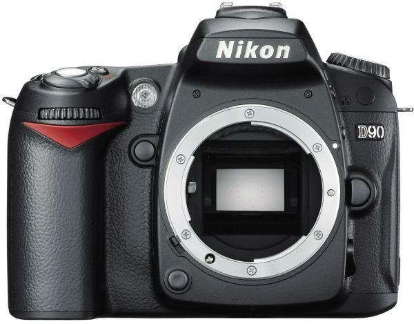 » كاميرا نيكون D90 الاحترافية سعر خيالي